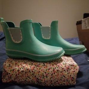 Cat and Jack girls rainboots